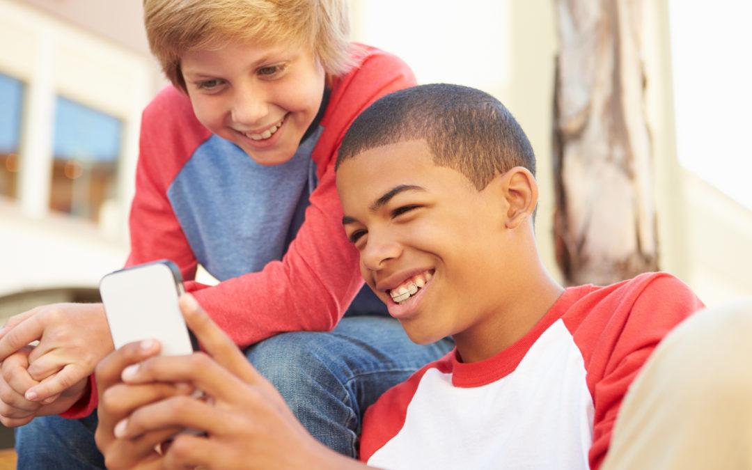 ¿Cuándo comprar el primer teléfono móvil a mi hijo?