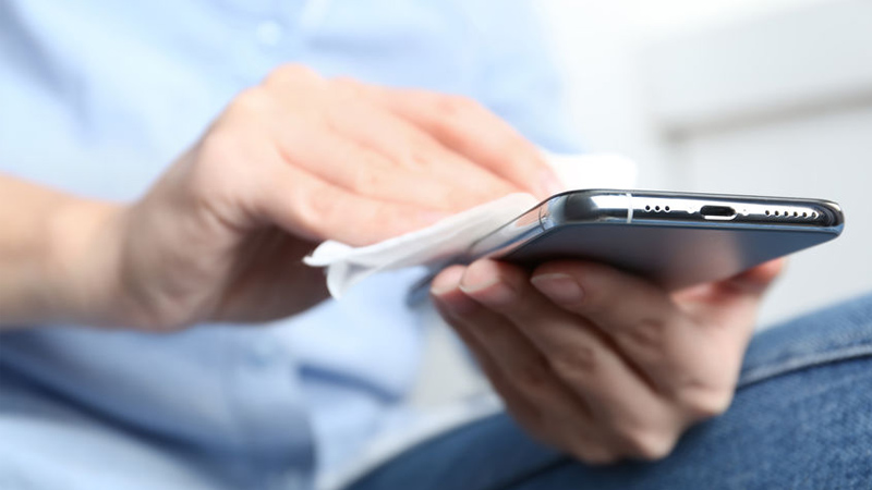 Como desinfectar el móvil y no estropearlo
